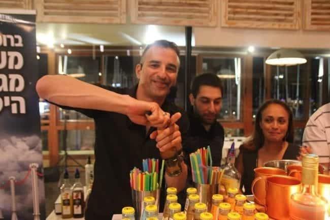 זיו בסדנת אלכוהול ליום הולדת 50